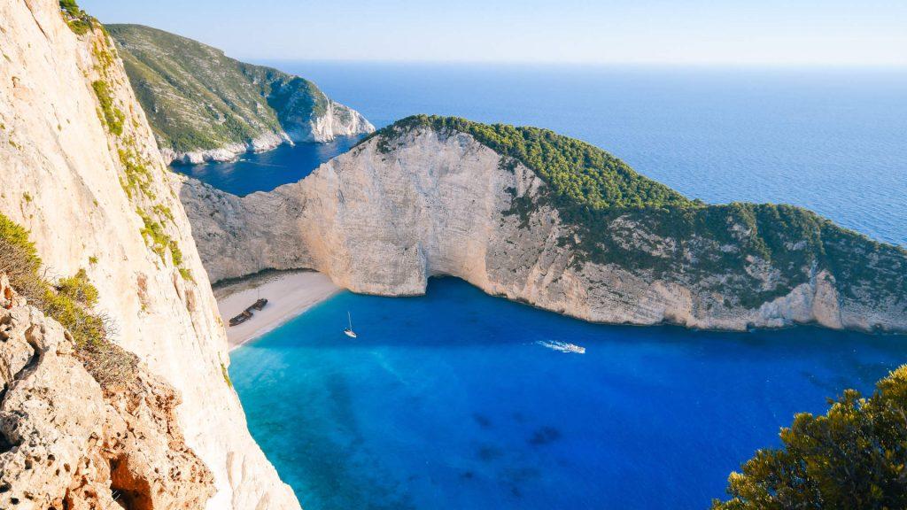 Wreck Bay eine der spektakulärsten Buchten im Segelrevier und in ganz Griechenland