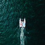 Katamaran von oben bei Korfu Segeln