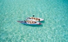 Sonne genießen beim segeln in Korfu mit Korfu Segeln