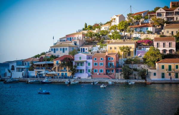 Griechische Hafenorte besuchen bei der Hochzeitsreise