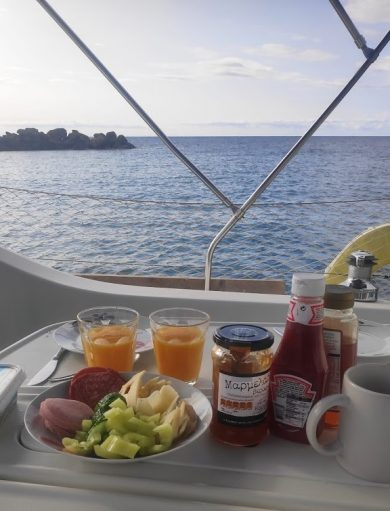 Frühstück in Othoni