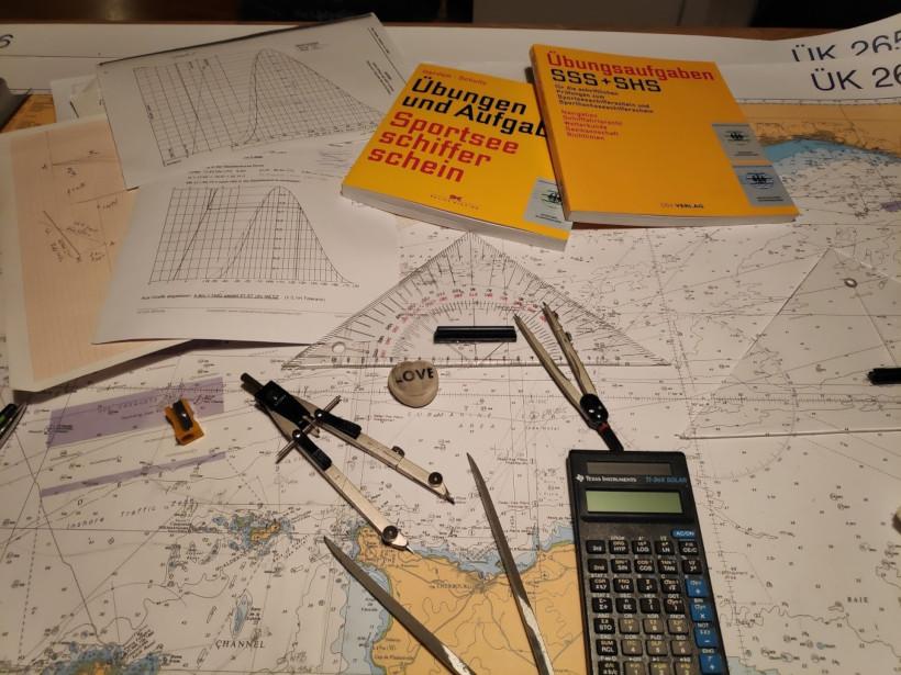 Navigation durch den Englischen Kanal beim Sportseeschifferschein