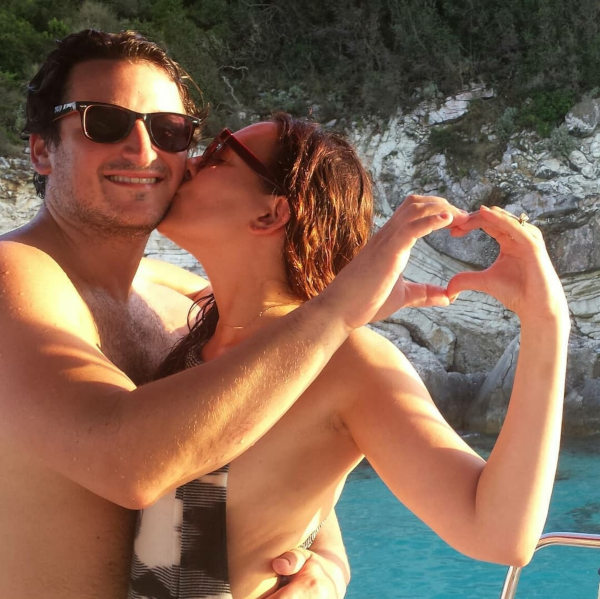Hochzeitsreise von Joe und Karol aus New York nach Antipaxos am Ankerplatz zwischen Voutoumi und Mesovrika