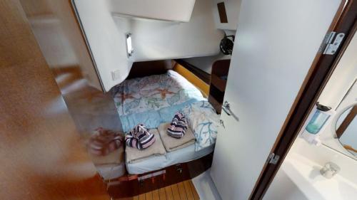 Beneteau 423 Evelyn May Achterkabine Backbord bei Korfu Segeln
