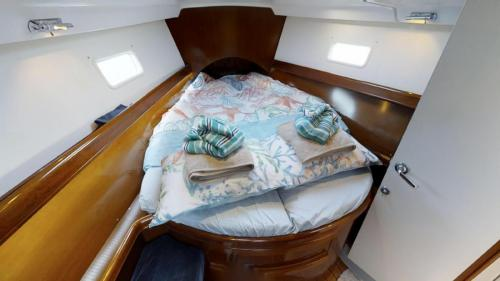 Beneteau 423 Evelyn May Vorschiffskabine bei Korfu Segeln