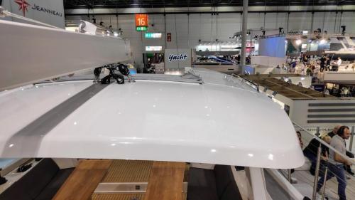 Boot Düsseldorf Hanse 588 festes Bimini