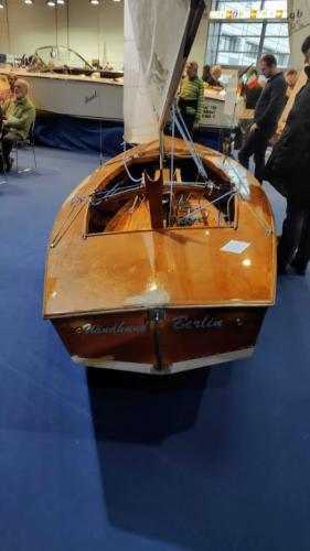 Boot Düsseldorf Pirat aus Holz
