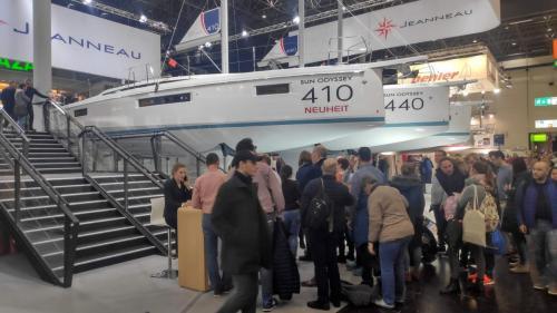 Boot Düsseldorf Warten bei Jeanneau