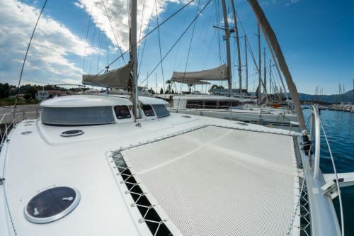 "Fountaine Pajot Salina 48 ""Melina"" vorschiff bei Korfu Segeln zur Charter ab Lefkas"