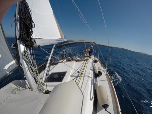 Korfu Segeln Bliss segelnd am Wind