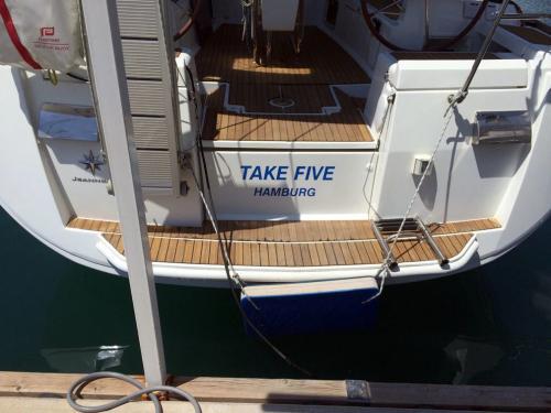 Korfu Segeln Take Five 5
