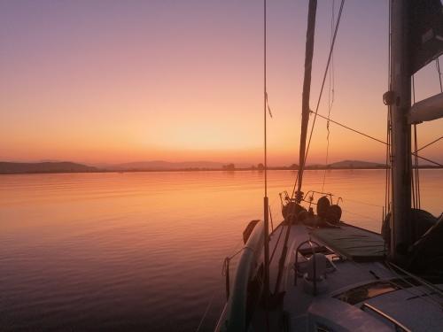 Morpheus Korfu Segeln sunrise petalas1
