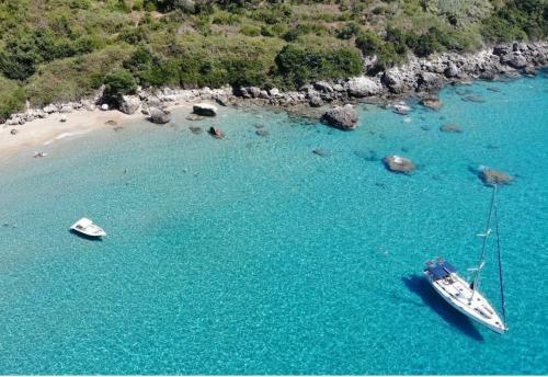 Rund Korfu exklusive Buchten und Ankerplätze eins