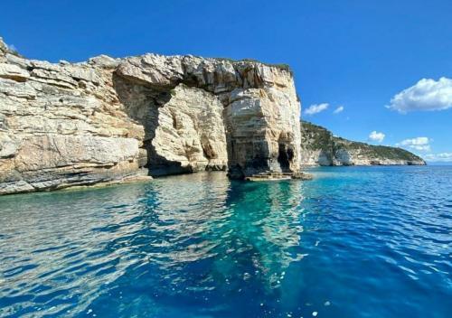 Rund Korfu exklusive Buchten und Ankerplätze zwölf